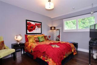 """Photo 11: 15701 GOGGS Avenue: White Rock House for sale in """"WHITE ROCK"""" (South Surrey White Rock)  : MLS®# R2178923"""