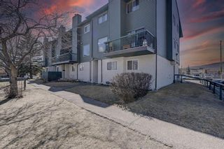 Main Photo: 5 2511 38 Street NE in Calgary: Rundle Row/Townhouse for sale : MLS®# A1126671
