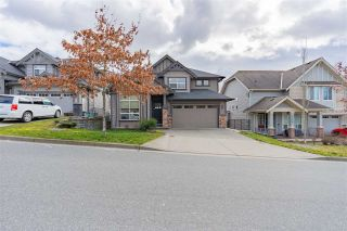 "Main Photo: 2356 CHARDONNAY Lane in Abbotsford: Aberdeen House for sale in ""Pepin Brook Vineyard Estates"" : MLS®# R2543294"