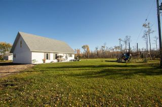 Photo 3: 62121 HWY 12 Road E in Anola: House for sale : MLS®# 202124908