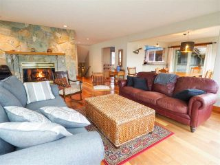 "Photo 4: 1005 PANORAMA Place in Squamish: Hospital Hill House for sale in ""Hospital Hill"" : MLS®# R2442448"