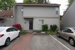 """Photo 2: 19203 FAIRWAY Drive in Surrey: Cloverdale BC Townhouse for sale in """"GREENSIDE  ESTATE"""" (Cloverdale)  : MLS®# R2539428"""
