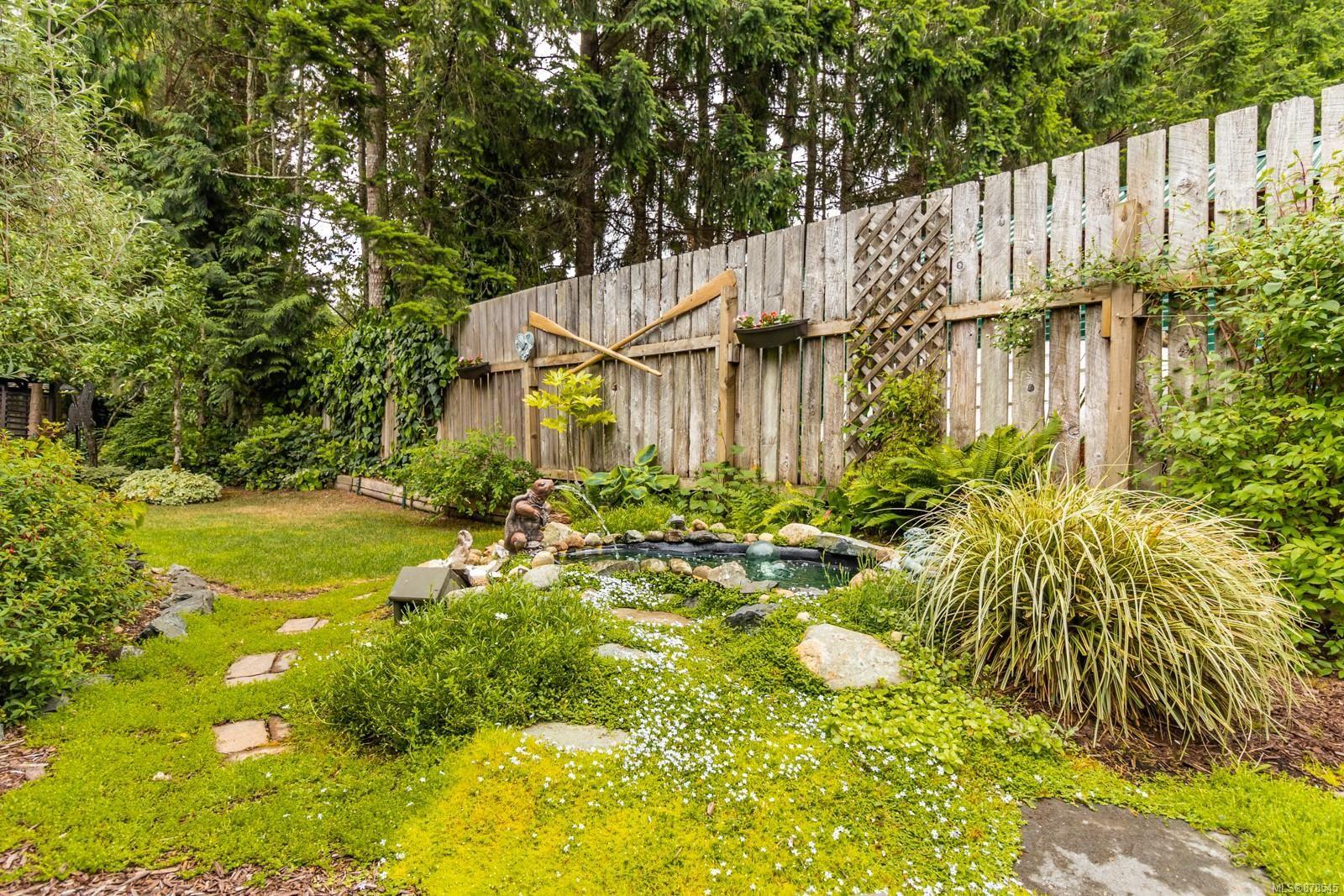 Photo 27: Photos: 1070 Symons Cres in : PQ Qualicum Beach House for sale (Parksville/Qualicum)  : MLS®# 878545