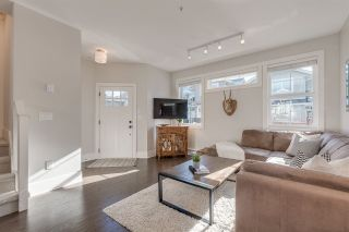 Photo 2: 48 12161 237 Street in Maple Ridge: East Central Townhouse for sale : MLS®# R2339684