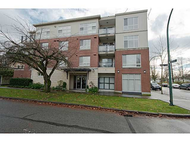 "Main Photo: 101 2096 W 46TH Avenue in Vancouver: Kerrisdale Condo for sale in ""KERRISDALE LANDING"" (Vancouver West)  : MLS®# V981850"