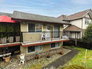 """Photo 1: 333 E 5TH Street in North Vancouver: Lower Lonsdale 1/2 Duplex for sale in """"LOWER LONSDALE"""" : MLS®# R2529429"""