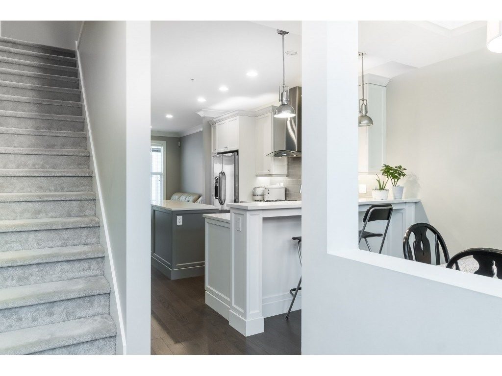 """Photo 5: Photos: 4 45526 TAMIHI Way in Sardis: Vedder S Watson-Promontory Townhouse for sale in """"BRIXTON STATION PHASE 2"""" : MLS®# R2459352"""