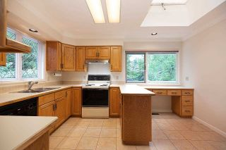 """Photo 4: 1820 FULTON Avenue in West Vancouver: Ambleside House for sale in """"Ambleside"""" : MLS®# R2577844"""