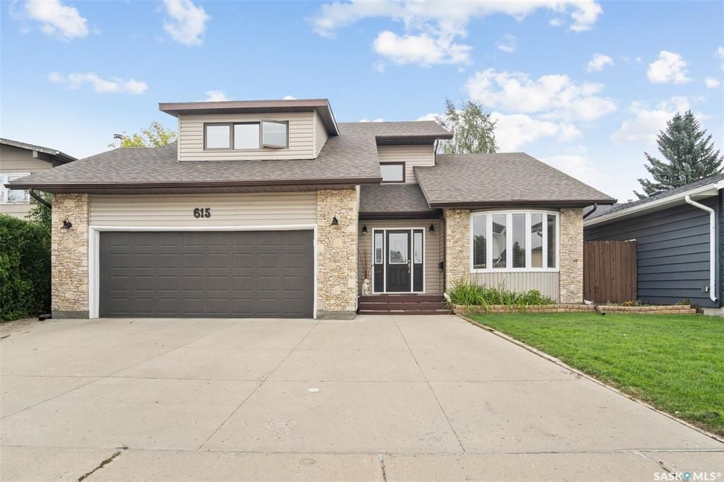 Main Photo: 615 Christopher Way in Saskatoon: Lakeview SA Residential for sale : MLS®# SK867605