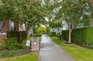 "Photo 11: 39 6528 DENBIGH Avenue in Burnaby: Forest Glen BS Townhouse for sale in ""OAKWOOD"" (Burnaby South)  : MLS®# R2205885"