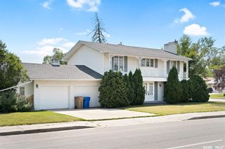 Photo 2: 1 Turnbull Place in Regina: Hillsdale Residential for sale : MLS®# SK866917