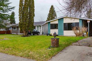 Photo 1: 20147 52 Avenue: House for sale in Langley: MLS®# R2540640