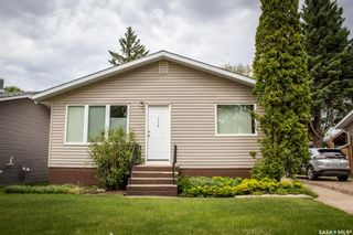 Photo 1: 110 Hatton Avenue East in Melfort: Residential for sale : MLS®# SK858912