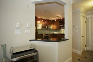 Photo 5: 405 1575 BEST STREET: White Rock Condo for sale (South Surrey White Rock)  : MLS®# R2032421