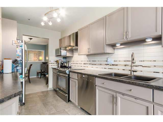 """Photo 6: Photos: 214 2250 SE MARINE Drive in Vancouver: Fraserview VE Condo for sale in """"WATERSIDE"""" (Vancouver East)  : MLS®# V1103977"""
