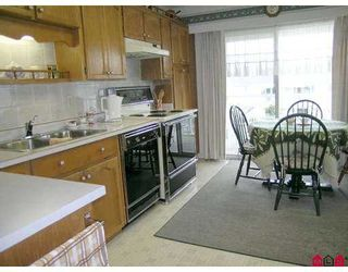 """Photo 4: 32691 GARIBALDI Drive in Abbotsford: Abbotsford West Townhouse for sale in """"CARRIAGE LANE"""" : MLS®# F2626920"""