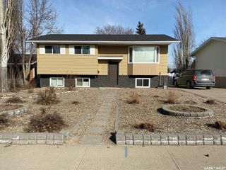 Photo 1: 483 Matador Drive in Swift Current: Trail Residential for sale : MLS®# SK845414