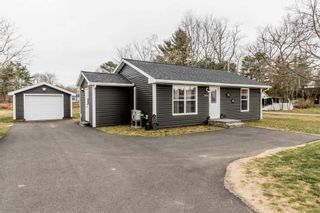 Photo 2: 1030 Central Avenue in Greenwood: 404-Kings County Residential for sale (Annapolis Valley)  : MLS®# 202108921