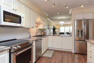 Photo 4: 504 2275 Comox Ave in : CV Comox (Town of) Condo for sale (Comox Valley)  : MLS®# 863475