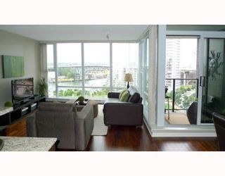 """Photo 2: 1205 455 BEACH Crescent in Vancouver: False Creek North Condo for sale in """"PARK WEST ONE"""" (Vancouver West)  : MLS®# V773945"""