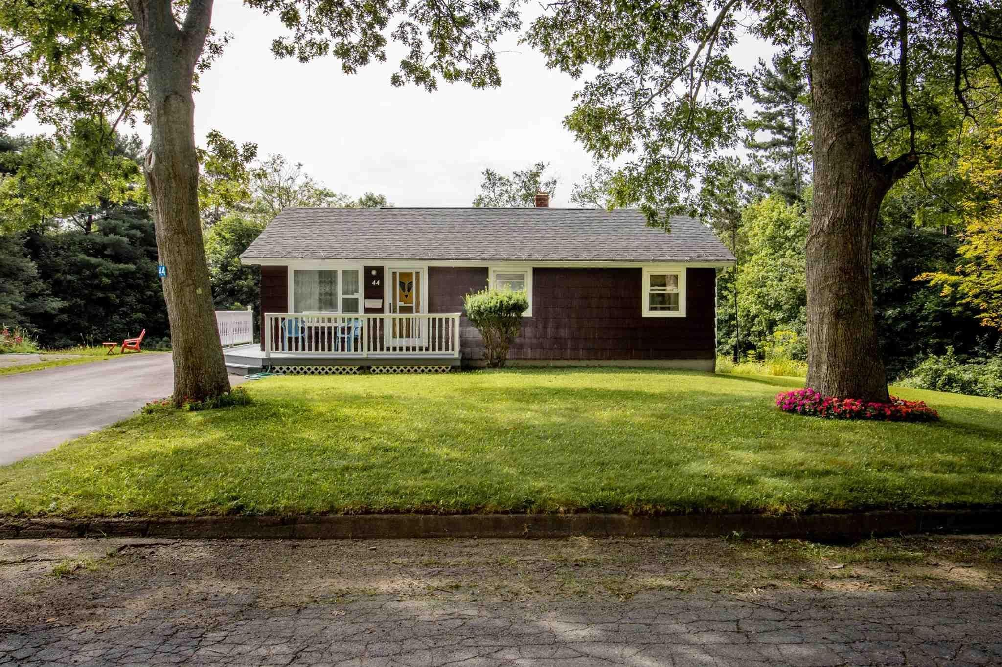 Main Photo: 44 Redden Avenue in Kentville: 404-Kings County Residential for sale (Annapolis Valley)  : MLS®# 202120593
