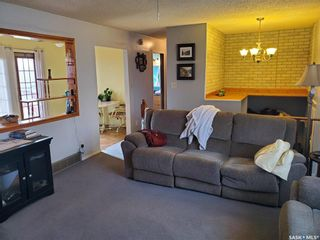 Photo 4: 215 MICHENER Crescent in Saskatoon: Pacific Heights Residential for sale : MLS®# SK842712