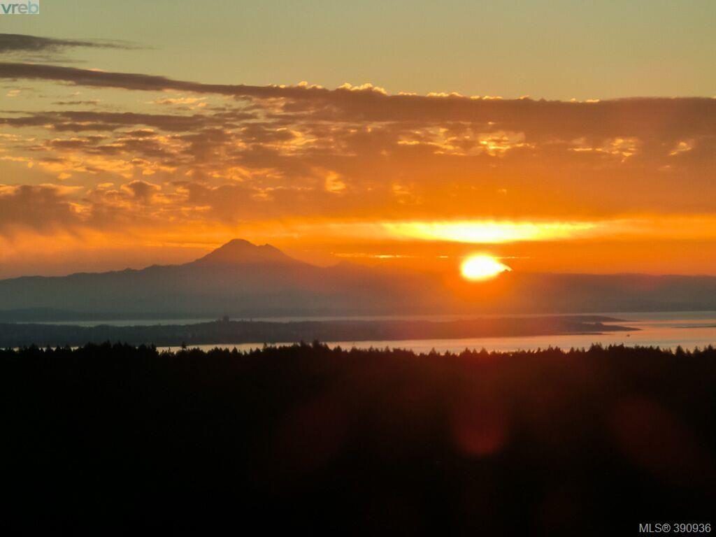 Another beautiful sunrise looking towards Mt Baker