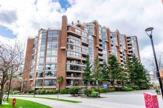 """Photo 39: 704 1450 PENNYFARTHING Drive in Vancouver: False Creek Condo for sale in """"HARBOUR COVE"""" (Vancouver West)  : MLS®# R2571862"""