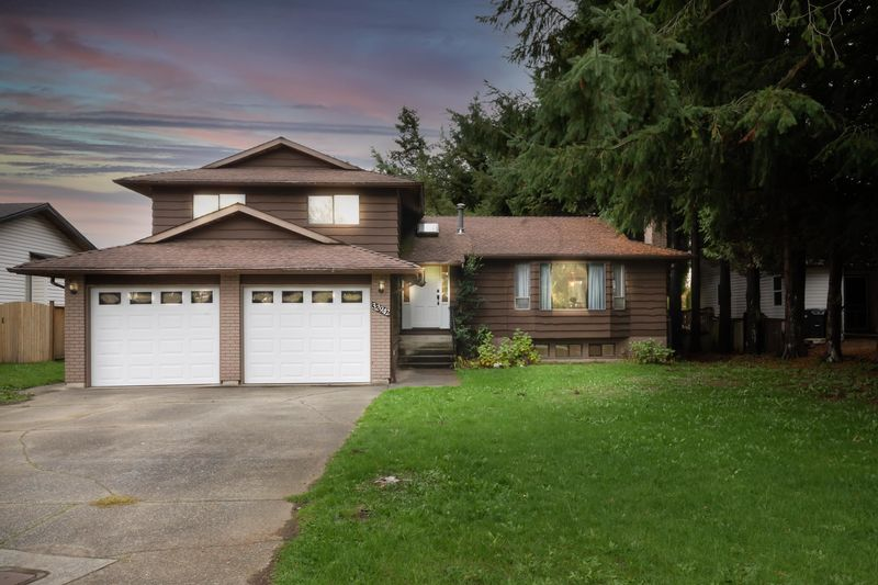 FEATURED LISTING: 32942 BANFF Place Abbotsford