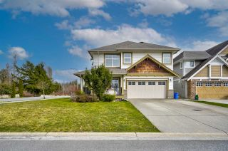 Photo 2: 8778 PARKER Court in Mission: Mission BC House for sale : MLS®# R2555053