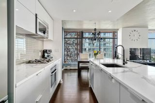 "Photo 10: 2806 128 W CORDOVA Street in Vancouver: Downtown VW Condo for sale in ""Woodwards"" (Vancouver West)  : MLS®# R2563386"