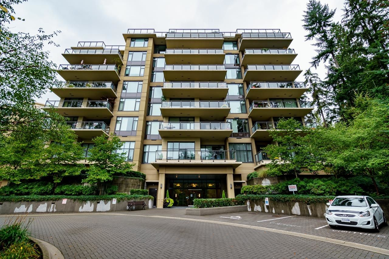 """Main Photo: 710 1415 PARKWAY Boulevard in Coquitlam: Westwood Plateau Condo for sale in """"CASCADES"""" : MLS®# R2621371"""