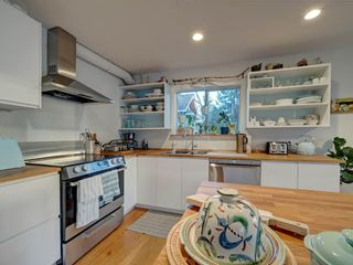 Photo 8: 3268 BEACH Avenue: Roberts Creek House for sale (Sunshine Coast)  : MLS®# R2523146