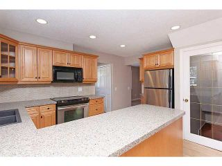 Photo 7: 119 LAKE MEAD Place SE in CALGARY: Lk Bonavista Estates Residential Detached Single Family for sale (Calgary)  : MLS®# C3563863