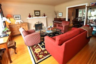 Photo 2: 4002 W 31ST Avenue in Vancouver: Dunbar House for sale (Vancouver West)  : MLS®# R2158177