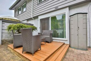 """Photo 15: 981 HOWIE Avenue in Coquitlam: Central Coquitlam Townhouse for sale in """"OAKWOOD"""" : MLS®# R2494241"""