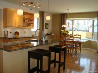 Photo 4: 114 Beechtree Crescent in WINNIPEG: St Vital Residential for sale (South East Winnipeg)  : MLS®# 1512269