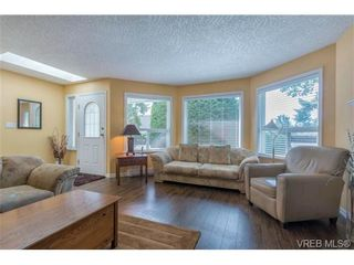 Photo 6: 3 1968 Cultra Ave in SAANICHTON: CS Saanichton Row/Townhouse for sale (Central Saanich)  : MLS®# 711060