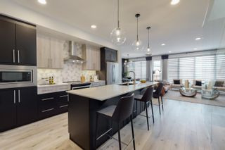 Photo 2: 1624 Enright Way in Edmonton: Zone 57 House for sale : MLS®# E4261772