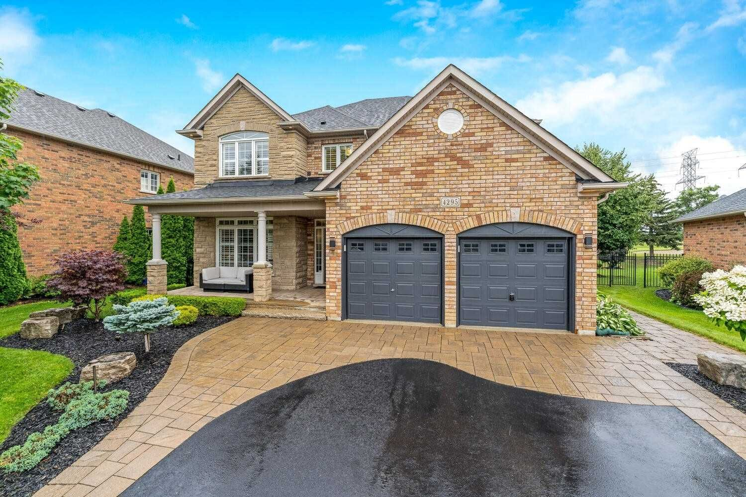Main Photo: 4295 Couples Cres in Burlington: Rose Freehold for sale : MLS®# W5305344