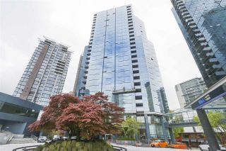 """Photo 16: 402 1050 BURRARD Street in Vancouver: Downtown VW Condo for sale in """"WALL CENTRE"""" (Vancouver West)  : MLS®# R2362675"""