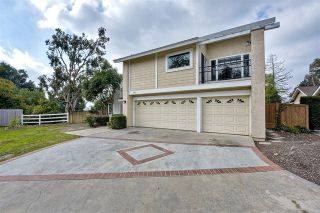 Photo 1: 743 Blackhawk Cir in Vista: Residential for sale (92081 - Vista)  : MLS®# 200002982