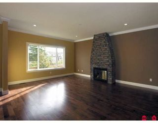 Photo 3: 8276 211TH Street in Langley: Willoughby Heights House for sale : MLS®# F2902170