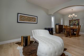 Photo 6: 1548 STRATHCONA Drive SW in Calgary: Strathcona Park Detached for sale : MLS®# C4292231