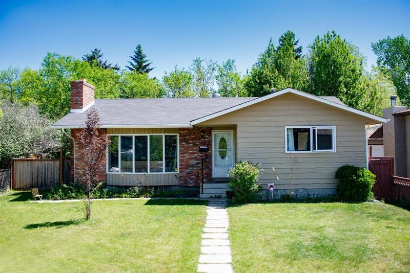 FEATURED LISTING: 119 Deer Park Place Southeast Calgary