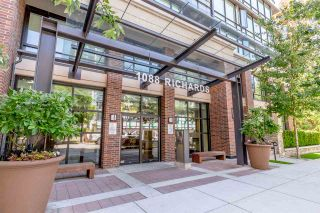 Photo 11: 1701 1088 Richards Street in Vancouver: Yaletown Condo for sale (Vancouver West)