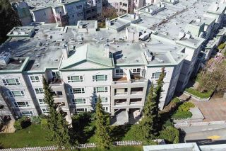 """Photo 4: 428 2980 PRINCESS Crescent in Coquitlam: Canyon Springs Condo for sale in """"Montclaire"""" : MLS®# R2565811"""