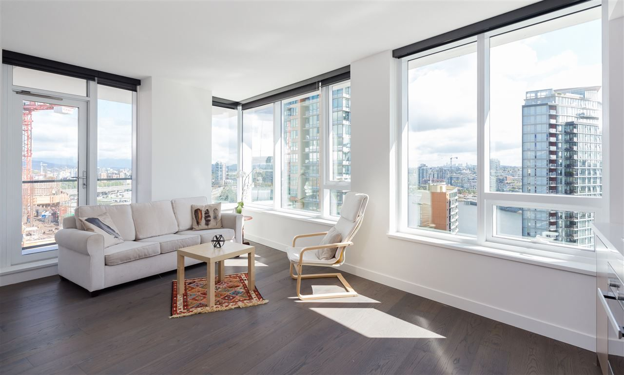 """Main Photo: 1756 38 SMITHE Street in Vancouver: Downtown VW Condo for sale in """"ONE PACIFIC"""" (Vancouver West)  : MLS®# R2106045"""