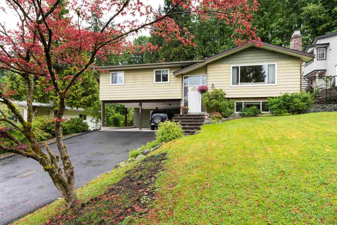 """Main Photo: 2267 PARK Crescent in Coquitlam: Chineside House for sale in """"CHINESIDE"""" : MLS®# R2172163"""