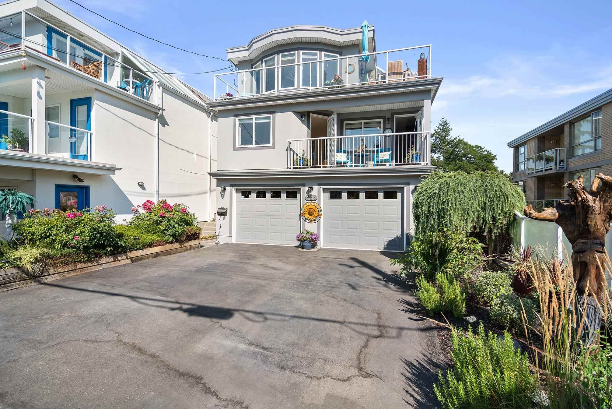 """Main Photo: 828 PARKER Street: White Rock House for sale in """"EAST BEACH"""" (South Surrey White Rock)  : MLS®# R2607727"""
